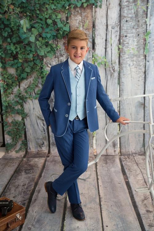 Traje comunión chaleco, corbata y panuelo