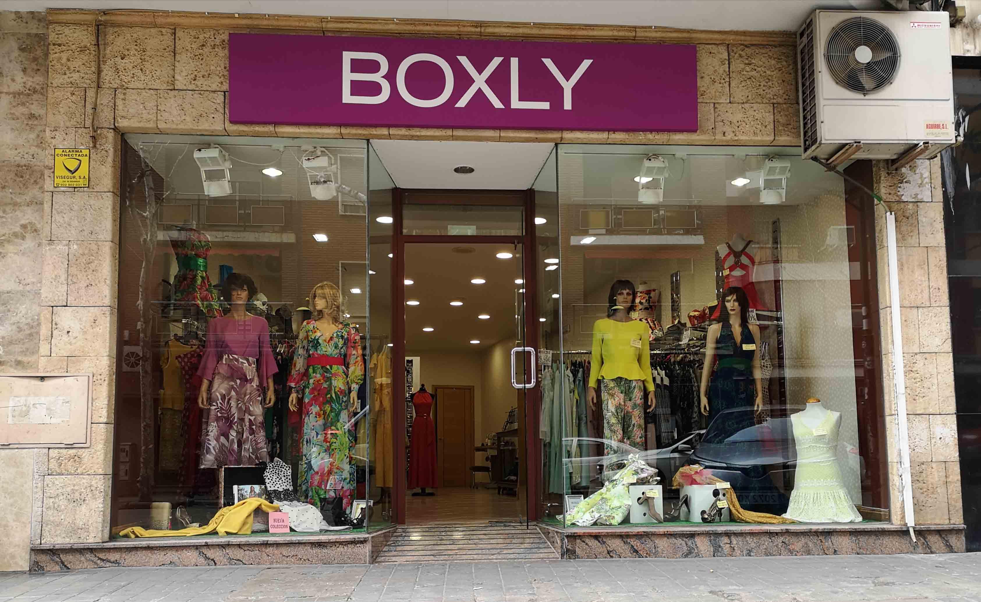 escaparate-tienda-boxly-outlet-ciudad-real