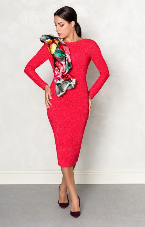 Vestido nuribel corto chanel fruncido con adorno en mikado rojo 149